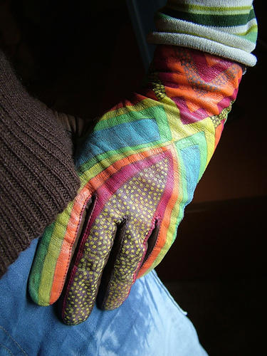 My girlfriend has raynauds phenomena are there any good home therapies?