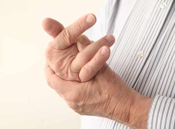 What causes finger stiffness and painthat last all day?