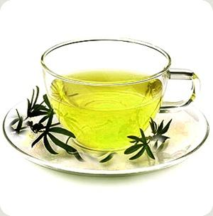 What health benefits are associated with drinking green tea?