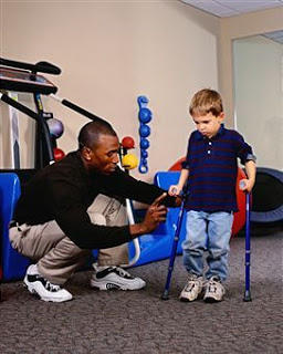 How often does duchenne muscular dystophy occur in the american population?