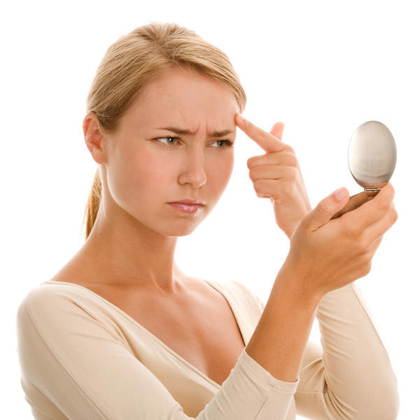 Is it true that sandalwood paste is good for bad acne scars and red cheeks?