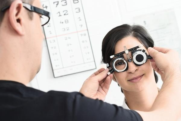 Does having high cholesterol makes eye floater become more disturbing?