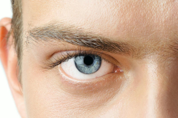 What are pink eye symptoms?