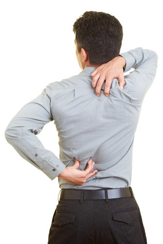 What causes a man a sharp pain in my upper back on the right side?