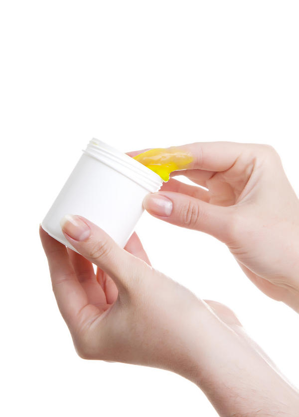 Is sudocrem good to treat allergic dermatitis?