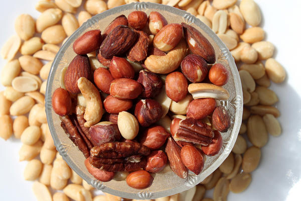 Fat in nuts lowers hdl-cholesterol, or the fat in nuts lowers ldl- cholesterol?