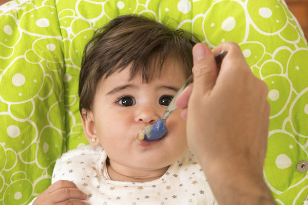 Why won't my baby eat solid foods at 7 months?