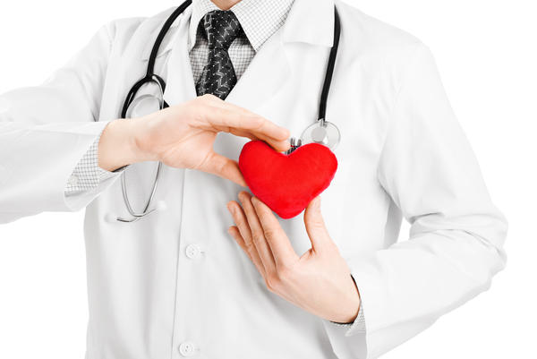 What do doctors think is the top organization to donate to for heart and lung cancer research?