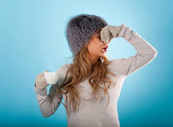What are common cold symptoms?