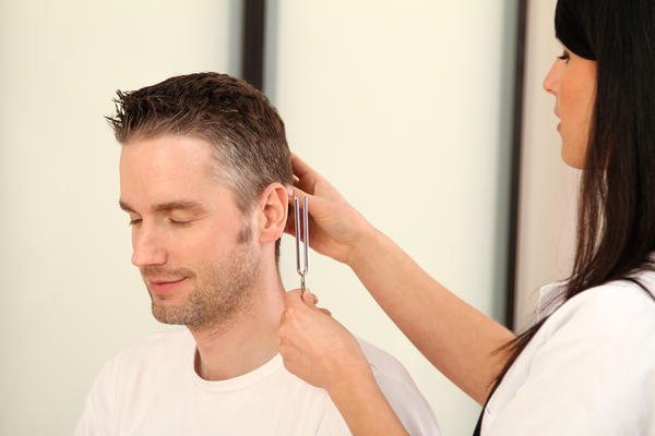How can you know if you have a perforated eardrum?