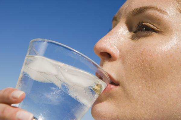 What is behind constant dry mouth?