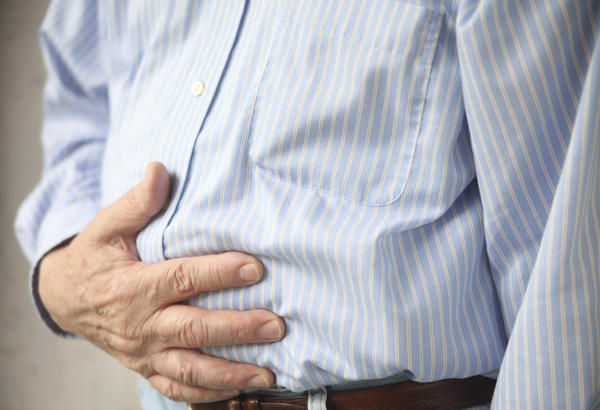 Could a spleen of 13.5cm cause nausea and a feeling of fullness intermittently ?