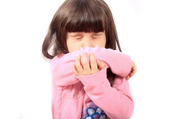 What are common signs of allergies towards animals in young children?