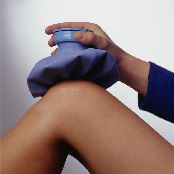 What are some home remedies to address knee pain?