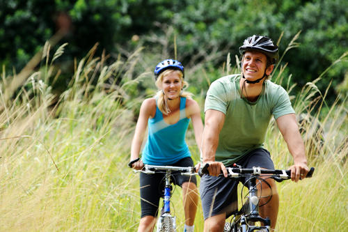 Can you burn more calories walking or cycling?