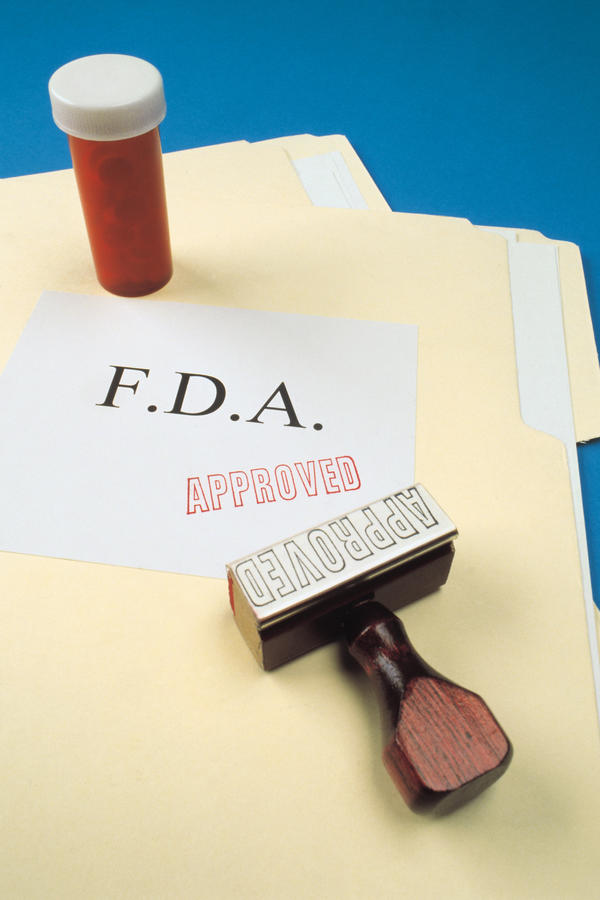 What is the role of the food and drug administration (fda) in the us cosmetics industry?