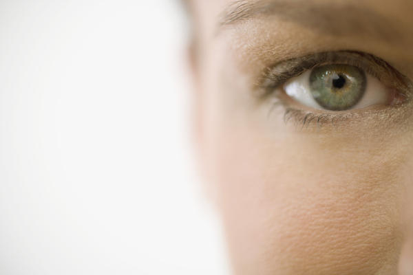 Could a eyelash get stuck in your eye?