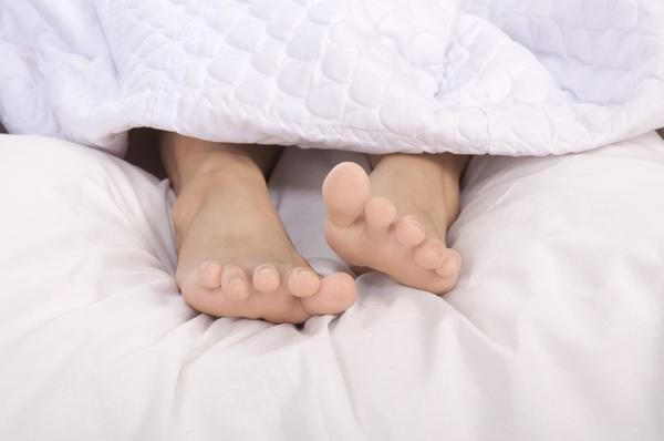 Can using your laptops too often cause restless leg syndrome?