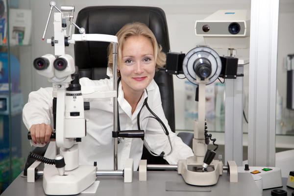 How does optometry differ from ophthalmology?