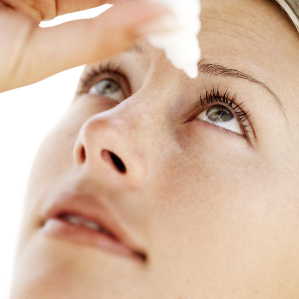 What causes chronic dry eyes?