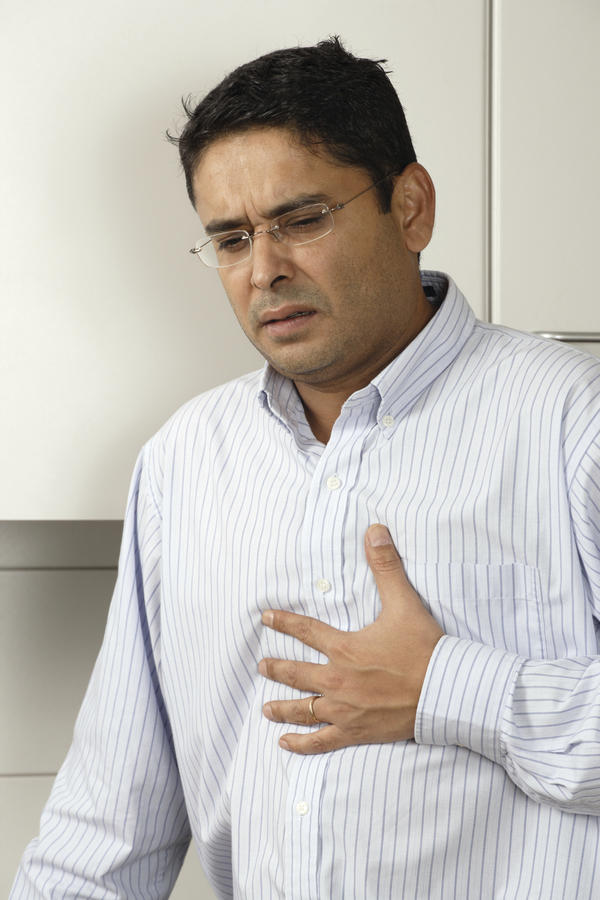 Does smoking a few cigarettes cause chest pain?