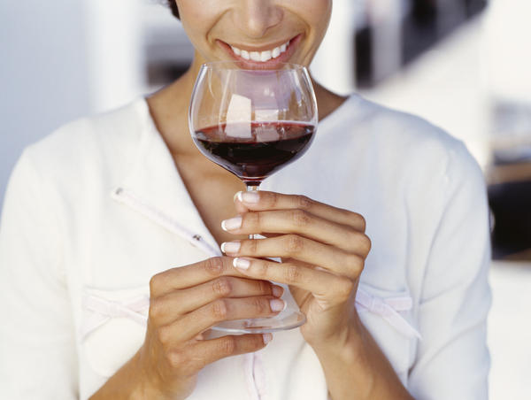 Is it true that drinking red wine will help you get pregnant?