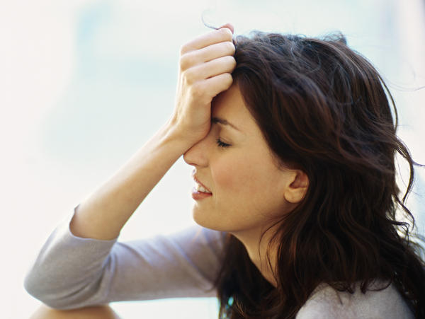 What are the symptoms of generalized anxiety disorder in woman?