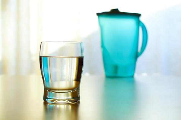 Can you damage your body by drinking too much water too quickly?