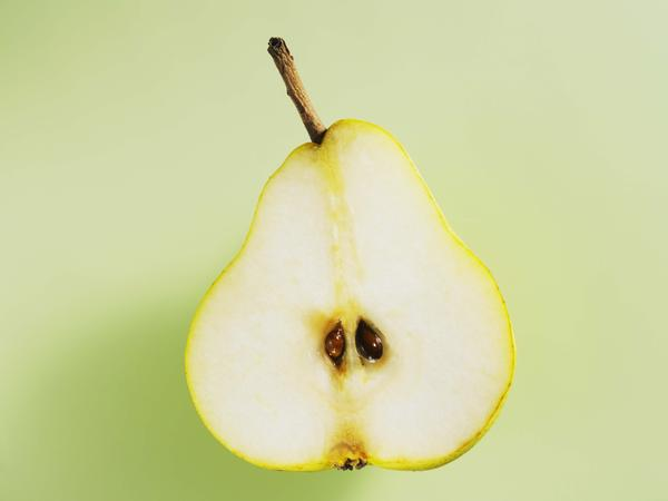 Question to all the pear allergy sufferers! are apples a problem also?
