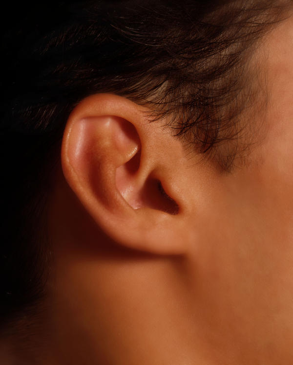 Are low set ears hereditary?