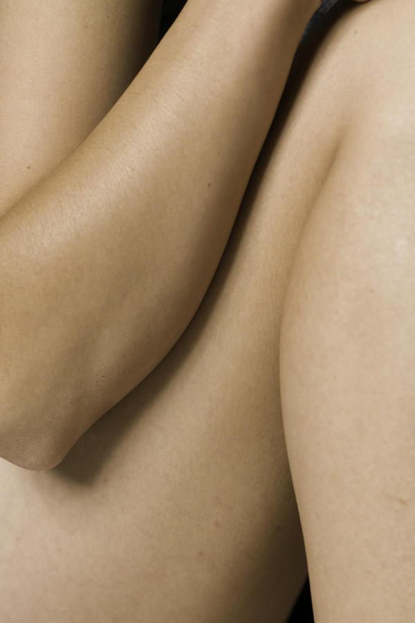 Does dry skin rashes follow the vains up the leg?