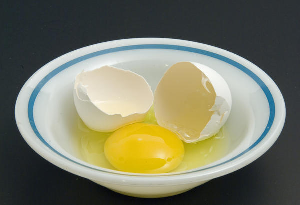 Is eating raw eggs with milk in breakfast  healthy?