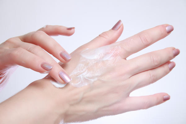 Does diabetic medicine cause dry itchy skin?