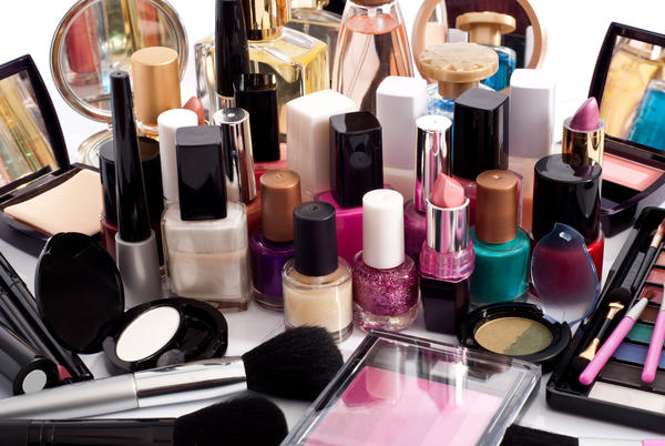 Is it safe to use cosmetics in pregnancy?