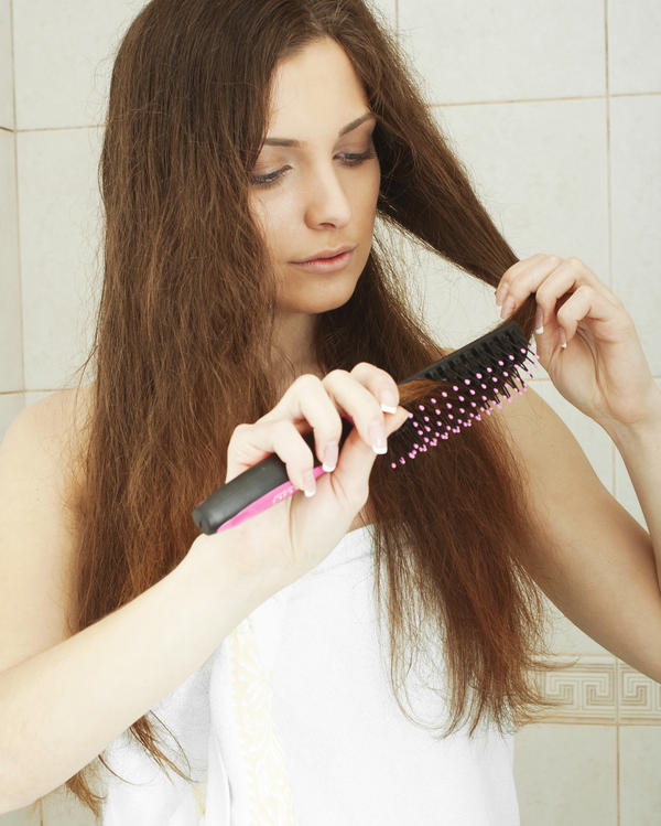 Can vistiril cause  hair thinning in woman?