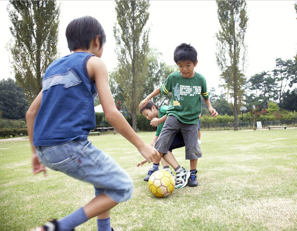 Should people with hemophilia exercise and play sports?