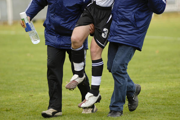 How often can you apply heat therapy to a chronic sports injury?
