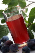 bluish,bright,fruit,green,homemade,juice,leaves,plum,prune,prunes,red,reddish,rich,shiny,summer,vegan,vegetarian,vitamin,vitamins Bowel Diarrhea Intestine Loose stools