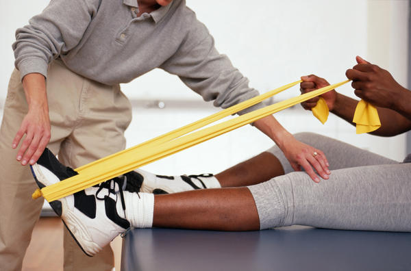 Is physical therapy effective in managing midfoot arthritis? How so?