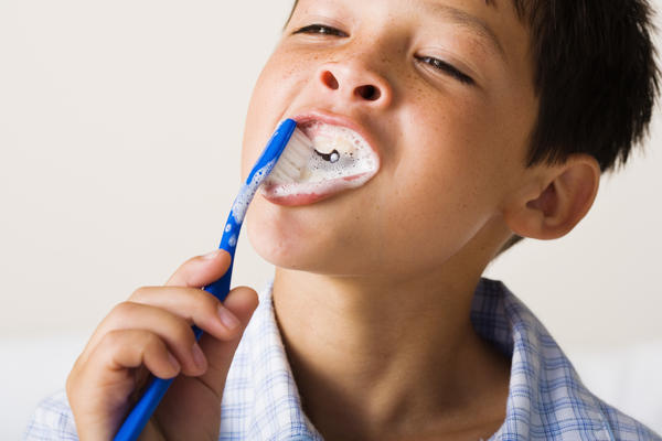 Must soft or super-soft toothbrushes always be used for effectiveness in oral hygiene?