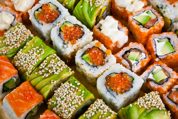 Is it safe to eat sushi or shashmi from a reputable sushi bar?
