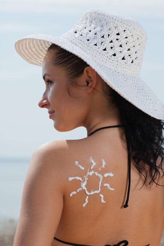 Are sunburned little white spots on shoulders normal?