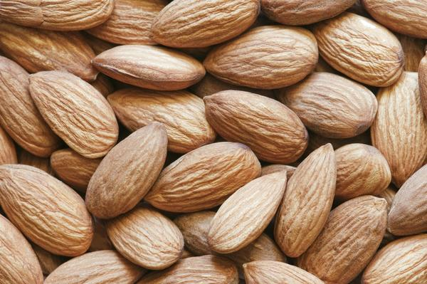 How do you know if you have an almond allergy?