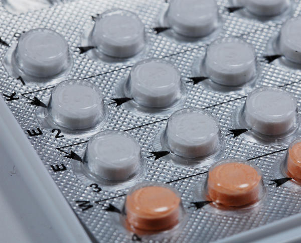 What is the difference between estrostep (ethinyl estradiol and norethindrone) fe and regular estrostep (ethinyl estradiol and norethindrone) birth control?