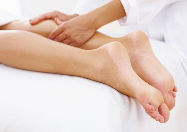 How can sclerotherapy work with small spider veins?