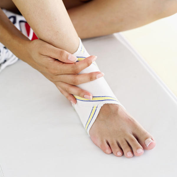 On average, how long will a sprained ankle stay swollen?