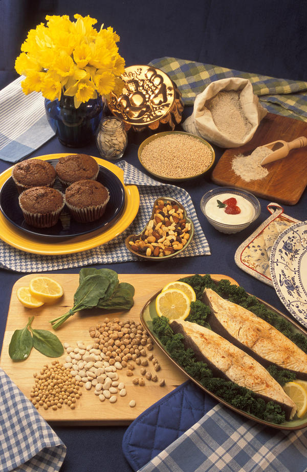 For type 2 diabetes, if someone has to choose between whole grain sorghum flour and whole grain wheat flour, which one of the two would b better?