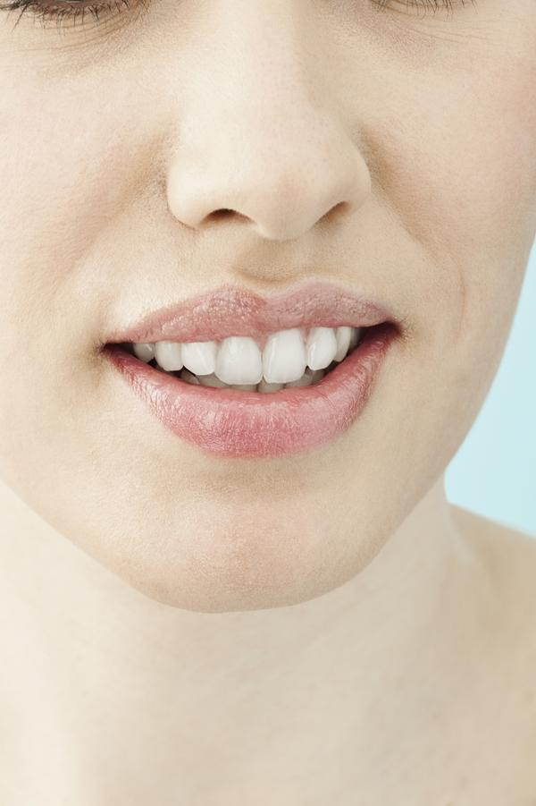 What causes both canker sores and a yeast infection?