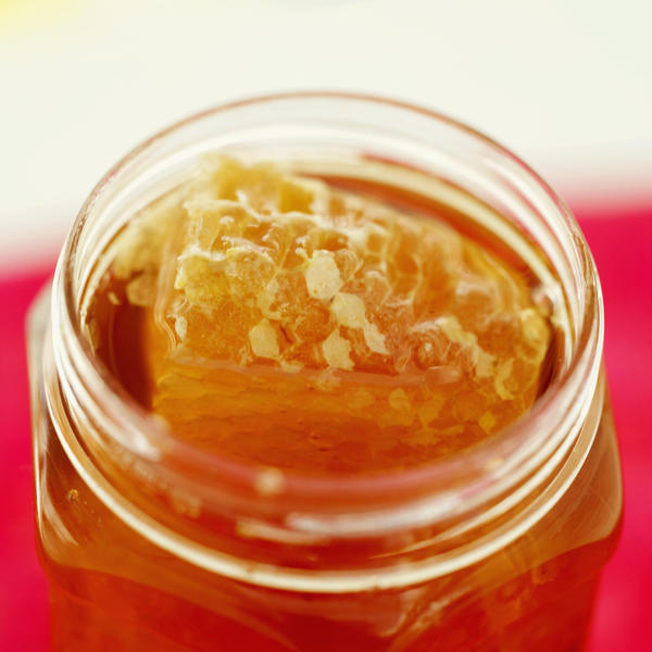 Is it actually no issue for diabetics to eat raw honey?
