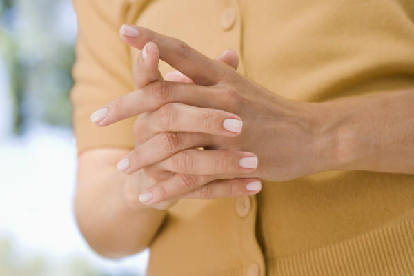 Can anaemia causes finger numbness?